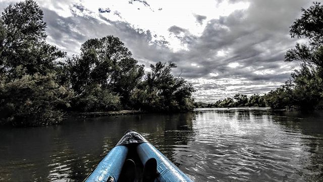 Kayaking down the lower Salt River.  #kayaking #saltriver #riosalado #arizona #az  #nature #outdoors