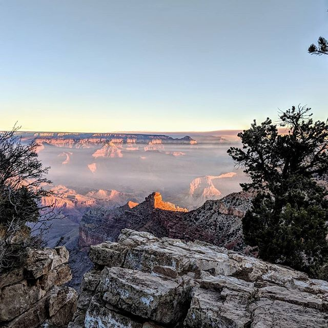 Sunrise at the Grand Canyon.  #pixel2xl #grandcanyon #az #arizona #naturephotography #nature #landscapephotography #landscape #amateurphotographer #amateurphotography #photographer #photography #sunrise #morning