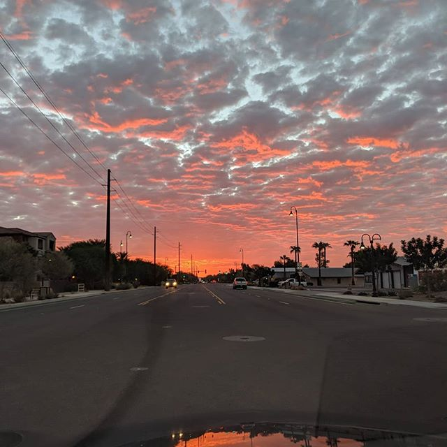 I love Arizona sunrises.  #nofilter #az #arizonasunrise #azmorning #arizonamornings #sunrise #scenery #nature #morning #desertsunrise #arizona